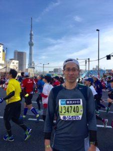 東京マラソン浅草地点後方にスカイツリーが・・・